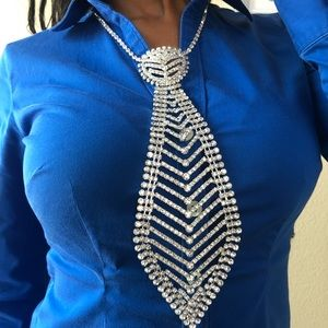 Jewelry - Rhinestone tie adjustable necklace